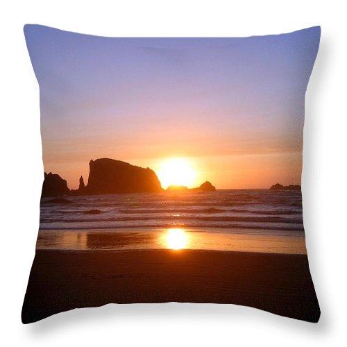 Bandon Throw Pillow featuring the photograph Bandon 7 by Will Borden