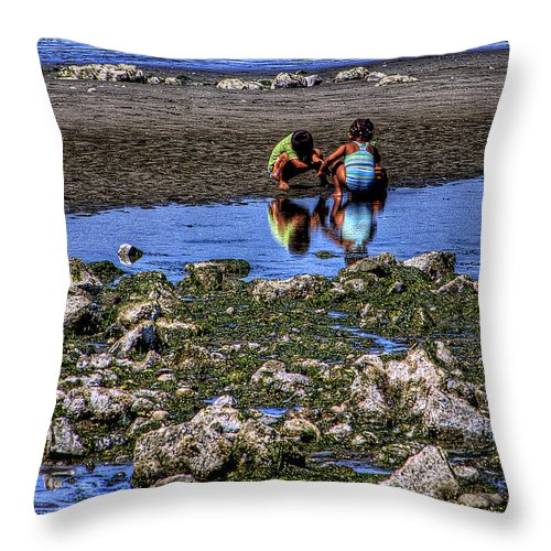 Discovery Park Throw Pillow featuring the photograph Beach Play by David Patterson