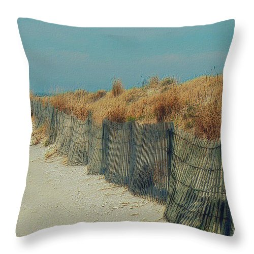 Beac Throw Pillow featuring the photograph Beachside by Linda Sannuti