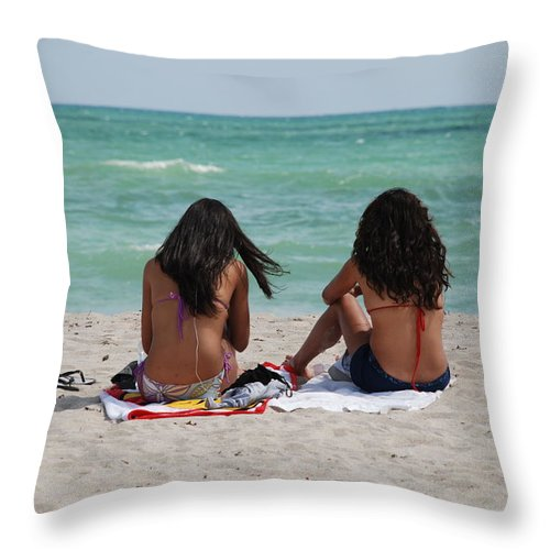 Women Throw Pillow featuring the photograph Beauties On The Beach by Rob Hans