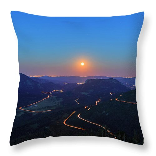 Colorado Throw Pillow featuring the photograph Beautiful Moon Rise At Rocky Mountain National Park by Chon Kit Leong