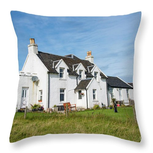 Isle Of Iona Throw Pillow featuring the photograph Iona Bed And Breakfast Two by Bob Phillips