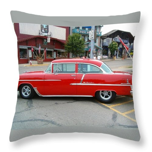 Belair Throw Pillow featuring the photograph Belair Red by Sara Raber