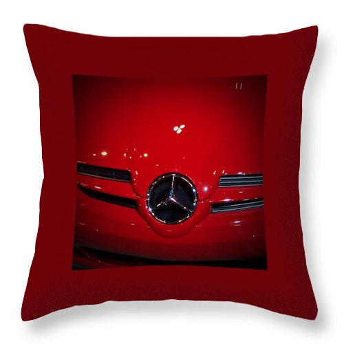 Picture Throw Pillow featuring the photograph Big Red Smile - Mercedes-Benz S L R McLaren by Serge Averbukh