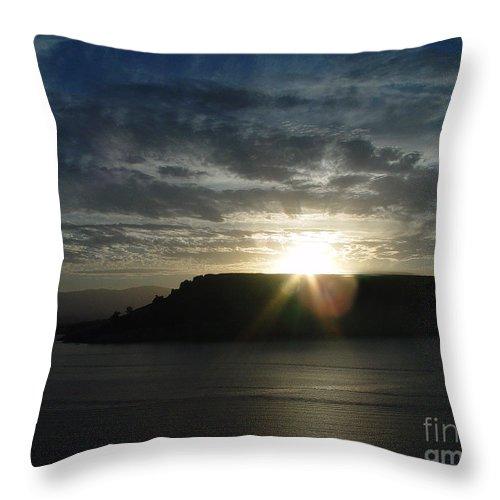 Black Butte Lake Throw Pillow featuring the photograph Black Butte Sunrise by Peter Piatt