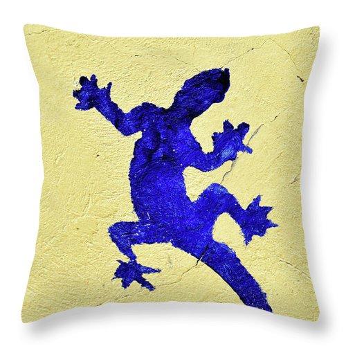Blue Lizard Throw Pillow featuring the photograph Blue Lizard by Sandy Taylor