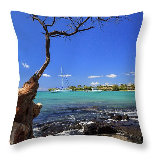 Anaehoomalu Bay Throw Pillow featuring the photograph Boats At Anaehoomalu Bay by James Eddy