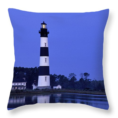 Bodie Throw Pillow featuring the photograph Bodie Island Lighthouse At Dusk - Fs000607 by Daniel Dempster