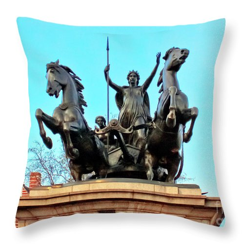 Statue Of Boudicca Throw Pillow featuring the photograph Boudicca On Westminster Bridge by Terri Waters