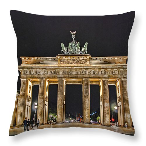 Brandenburger Tor Throw Pillow featuring the photograph Brandenburg Gate by Joachim G Pinkawa