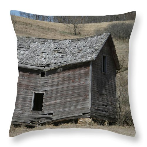 Old Barns Throw Pillow featuring the photograph Breaking Up by Bjorn Sjogren