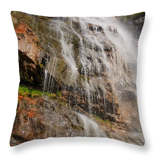 Trailsxposed Throw Pillow featuring the photograph Bridal Veil by Gina Herbert