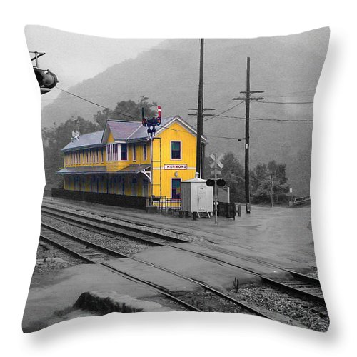Pat Turner Throw Pillow featuring the photograph Bright Spot In Thurmond by Pat Turner