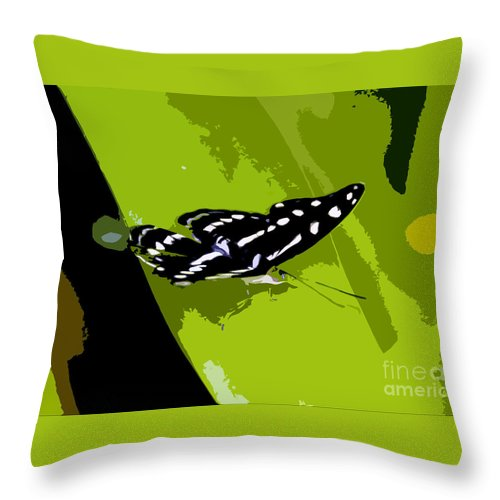 Butterfly Throw Pillow featuring the photograph Butterfly On Green by David Lee Thompson