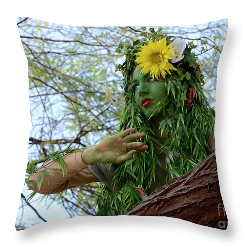 Enttertainer Throw Pillow featuring the photograph California Girl 2 by Bob Christopher