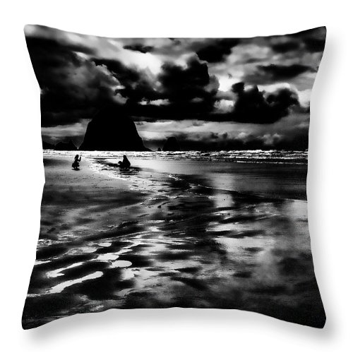 Cannon Beach Throw Pillow featuring the photograph Cannon Beach At Dusk by David Patterson