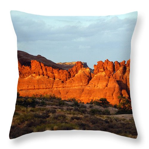 Utah Throw Pillow featuring the photograph Canyonlands At Sunset by Marty Koch
