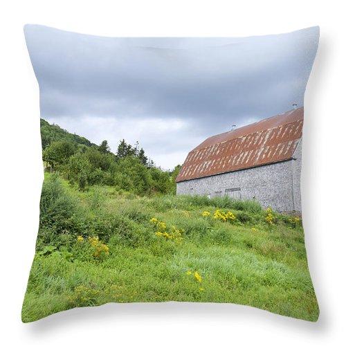 Nova Scotia Throw Pillow featuring the photograph Cape Breton Barn by Jon Faulknor