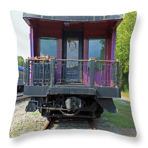 Carolina Southern Throw Pillow featuring the photograph Carolina Southern Dining Car by Suzanne Gaff