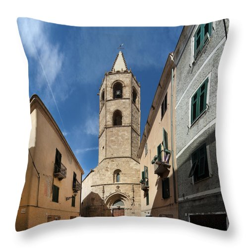 Cathedral Throw Pillow featuring the photograph Cathedrale Di Santa Maria by Robert Lacy