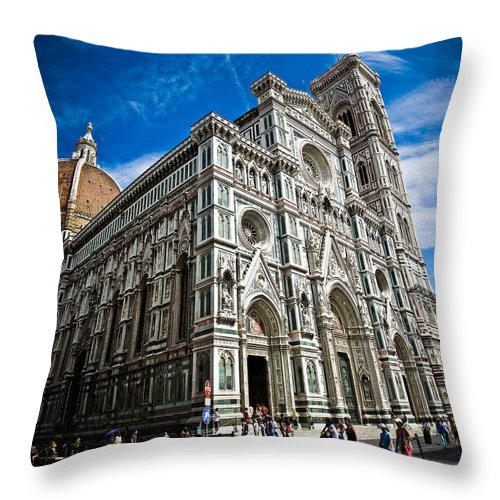 Firenze Throw Pillow featuring the photograph Cattedrale Di Santa Maria Del Fiore by Nelson Mineiro