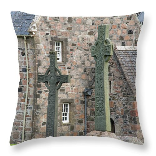 Isle Of Iona Throw Pillow featuring the photograph Celtic Crosses by Bob Phillips
