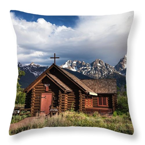 Church Throw Pillow featuring the photograph Chapel Of The Transfiguation by Harriet Feagin
