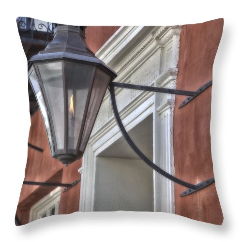 Gas Lamp Throw Pillow featuring the photograph Charleston 9207 by Jeff Grabert