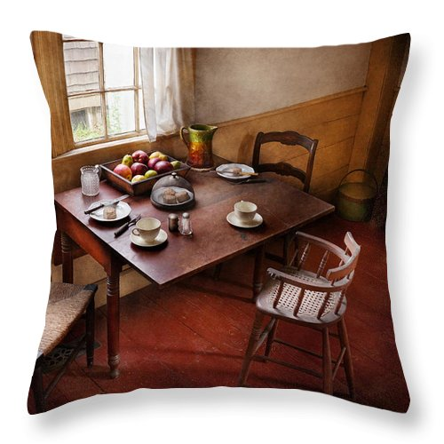 Hdr Throw Pillow featuring the photograph Chef - Kitchen - Kids Breakfast Is Ready by Mike Savad