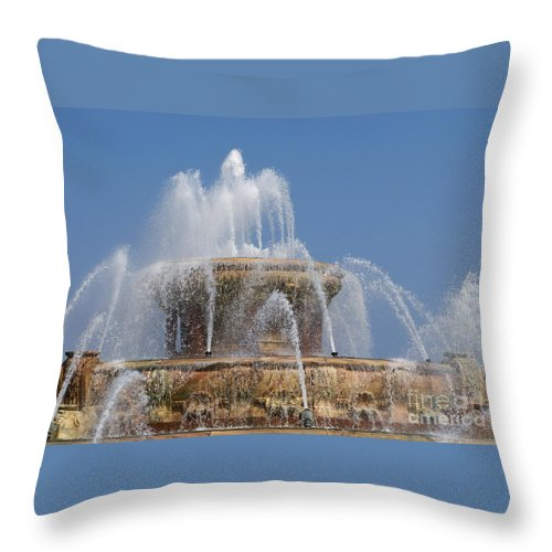 Chicagoland Throw Pillow featuring the photograph Chicago Splash by Ann Horn