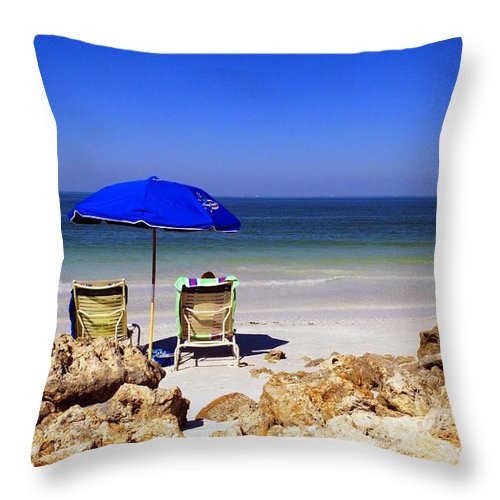 Beach Throw Pillow featuring the photograph Chillin' Out by Gary Wonning
