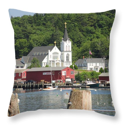 Maine Throw Pillow featuring the photograph Church In Boothbay by Meandering Photography