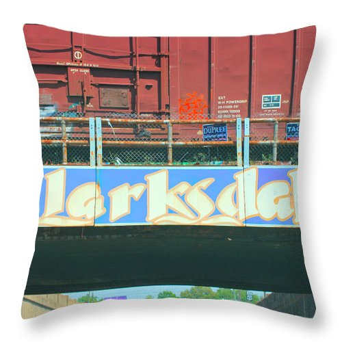 Clarksdale Throw Pillow featuring the photograph Clarksdale Overpass by Karen Wagner