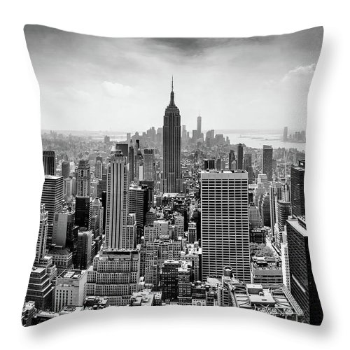Empire State Building Throw Pillow featuring the photograph Classic New York by Az Jackson