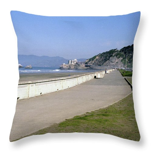 Cliff House Throw Pillow featuring the photograph Cliff House San Francisco by Lee Santa