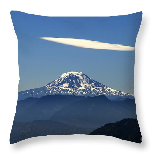 Mount Adams Throw Pillow featuring the photograph Cloud Over Adams by David Lee Thompson