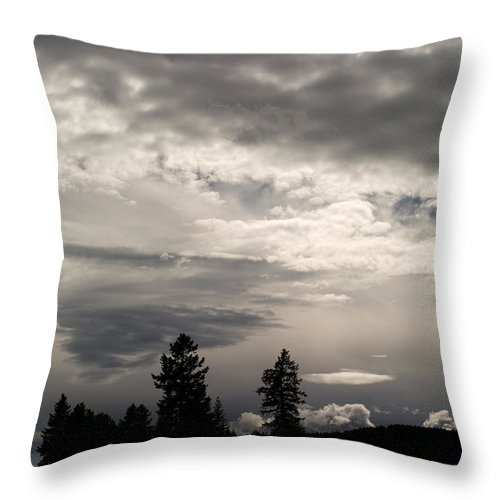 Landscape Throw Pillow featuring the photograph Cloud Study 1 by Lee Santa