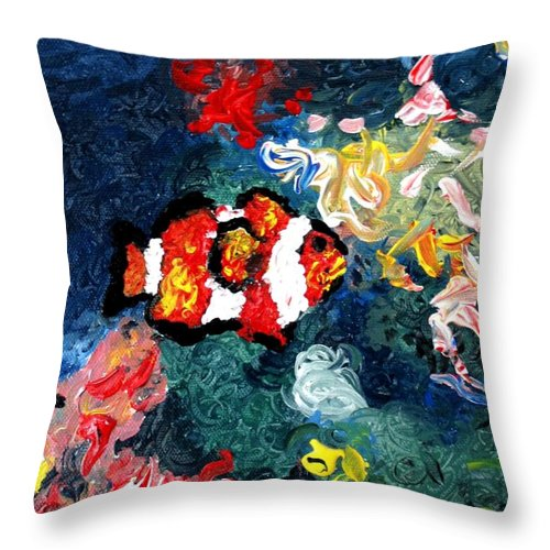 Fish Throw Pillow featuring the painting Clownfish by Luiza Vizoli