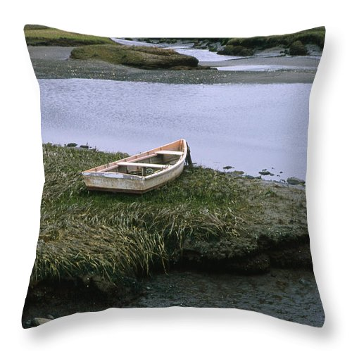 Landscape New England Marsh Row Boat Rye Harbor Throw Pillow featuring the photograph Cnrf0503 by Henry Butz
