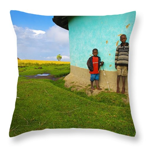 Skip Throw Pillow featuring the photograph Cocky by Skip Hunt
