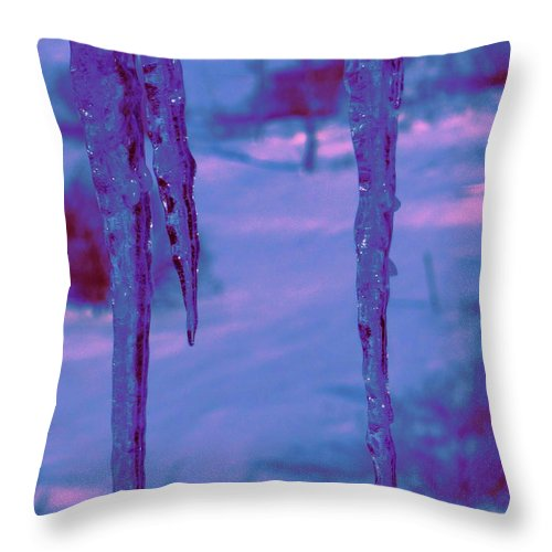 Water Throw Pillow featuring the photograph Cold Night Falling by Sybil Staples
