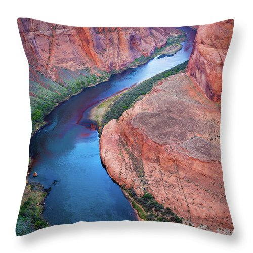 America Throw Pillow featuring the photograph Colorado River Bend by Inge Johnsson
