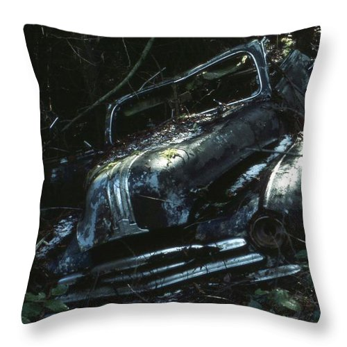Old Car Wreck Throw Pillow featuring the photograph Convertible by Laurie Stewart