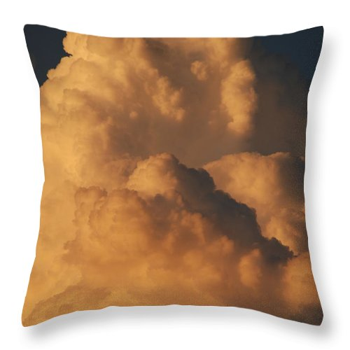 Clouds Throw Pillow featuring the photograph Coppermouth by Rob Hans