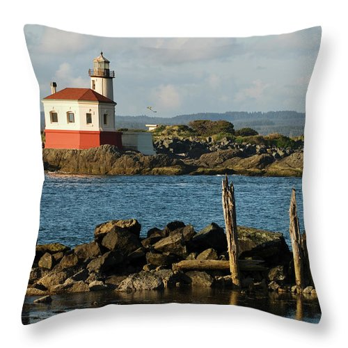 Oregon Throw Pillow featuring the photograph Coquille River Lighthouse Bandon Oregon by Renee Hong