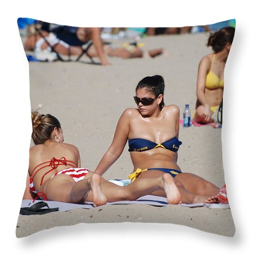 Girls Throw Pillow featuring the photograph Corona Strips by Rob Hans