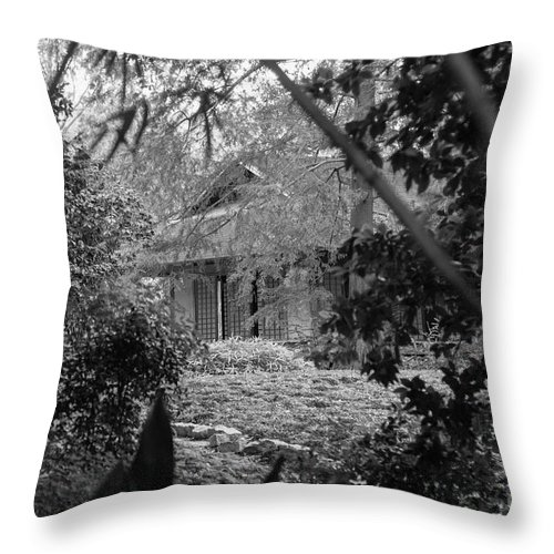 Landscape Throw Pillow featuring the photograph Cottage Black White Gardens Louisiana by Chuck Kuhn