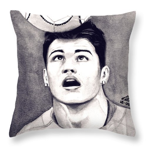 Ronaldo Portrait Throw Pillow featuring the painting Cristiano Ronaldo by Alban Dizdari