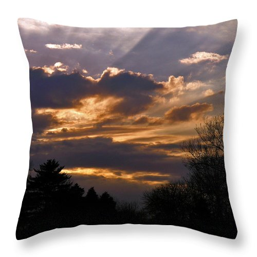 Cloud Throw Pillow featuring the photograph Crown Cloud by Albert Stewart