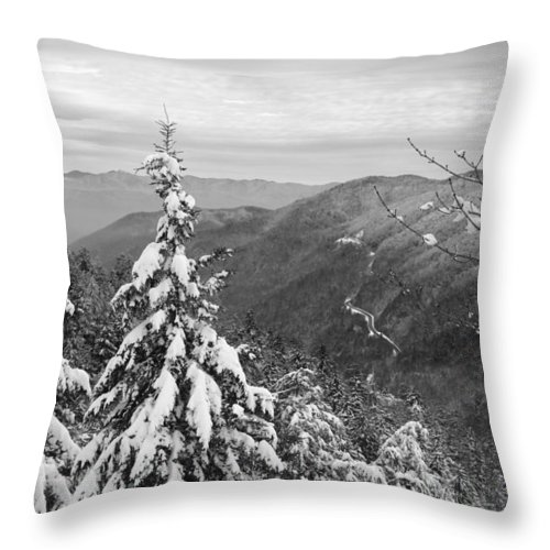 Great Smoky Mountains Throw Pillow featuring the photograph Cumberland Gap In The Smoky Mountains by Kristin Elmquist